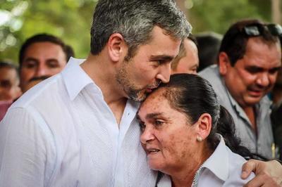 Marito pide quedarse en casa aún por días de la madre y la independencia