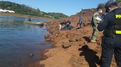 Hallan otro cuerpo en el Paraná, un joven sigue desaparecido