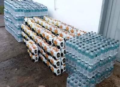 Donan jugo y agua mineral para albergues en Misiones