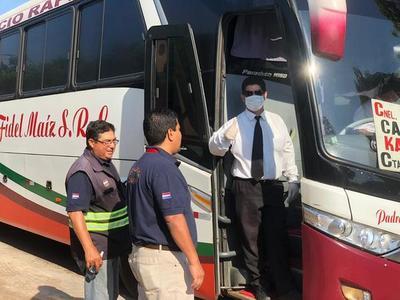 Suspenden desde el jueves y hasta el domingo transporte público al interior