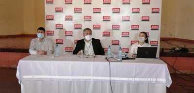 Tras denuncia de supuesta sobrefacturación ANDE decide suspender licitación para compra de postes