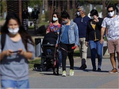 Covid-19: Paraguayos en Chile claman por víveres