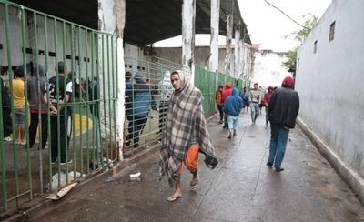 """HOY / Hace 60 días que reos no usan las privadas en Tacumbú: """"Es un tema de seguridad porque les altera"""""""