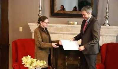 Paraguay lidera la lucha contra el coronavirus, asegura embajadora de Francia