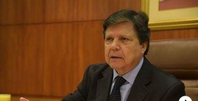 """Ministro considera que se podrá pasar """"tranquilamente"""" a segunda fase"""