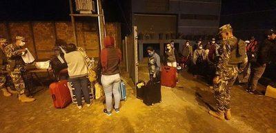 Un centenar de personas recibe el alta y abandona albergue