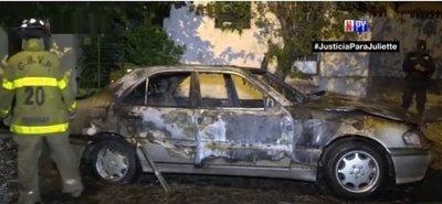 Taller mecánico arde en llamas tras incendio de un automóvil