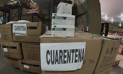 """Aduanas retiene cargamento de insumos médicos importados de China: """"Ya fue fiscalizado por SET y no se libera"""", critica abogado"""