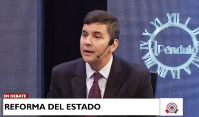 """Santiago Peña: """"Perdimos 2 años en Educación. Mario Abdo no le va a cambiar a Petta. Se va ir cuando la situación sea insostenible"""""""