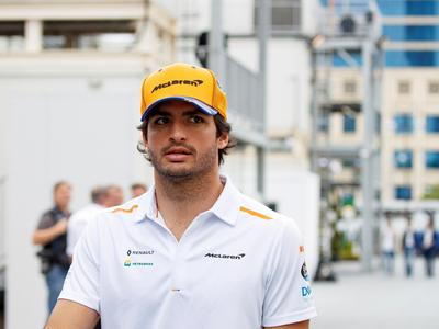 Carlos Sainz es nuevo piloto de Ferrari