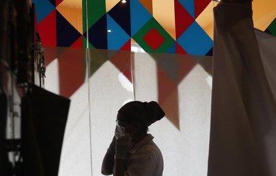Bolivia evalúa cuarentena ante creciente desacato