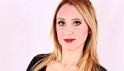 """Reconocida historiadora fue atacada por """"hurreros"""""""