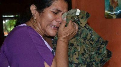 Ña Obdulia lloró la ausencia de su hijo Edelio Morínigo