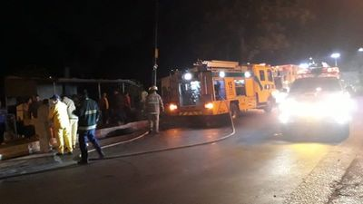 Vuelco e incendio deja dos heridos en Ñemby