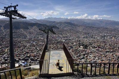Detectado un brote de COVID-19 en la cárcel más superpoblada de Bolivia