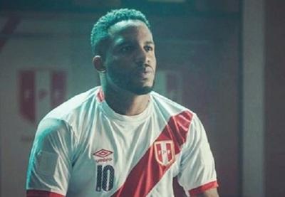"""""""Foquita"""" Farfán, el primer positivo de Covid-19 en el fútbol ruso"""