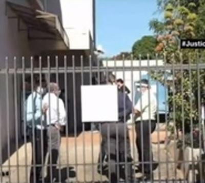 Delincuentes roban caja fuerte de una cooperativa