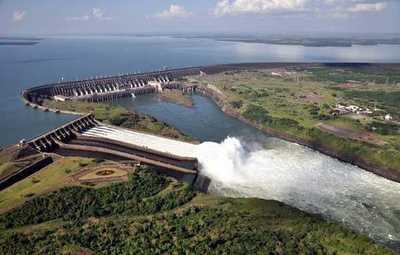 Instan a aumentar el caudal del Paraná para generar más energía
