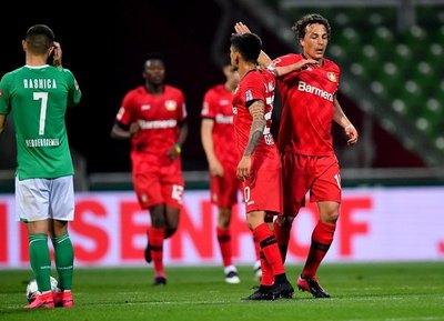 Goleada del Leverkusen cierra la primera fecha de reanudación