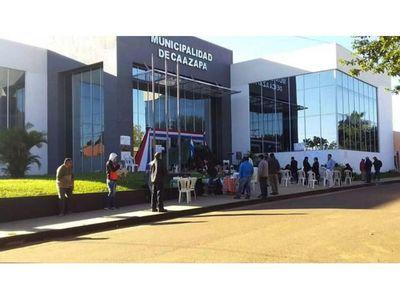Se encadenan para pedir renuncia del jefe comunal  de Caazapá