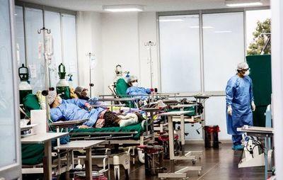 Peruanos fallecen en sus casas por colapso sanitario