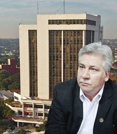 """Superpoblación de funcionarios: Exigen a""""Nenecho"""" Rodríguez transparencia en su gestión"""