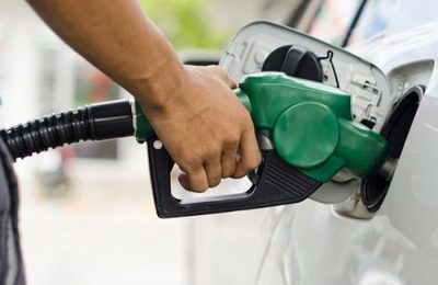 Emblemas privados analizarán rebaja de precios de combustibles