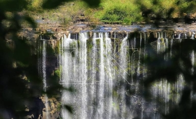 HOY / Las Cataratas del Iguazú y el Río Paraná con poca agua