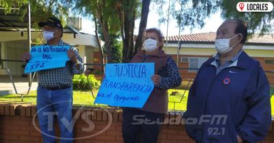 Jubilados se muestran en contra de la unificación del sistema de salud en Itapúa