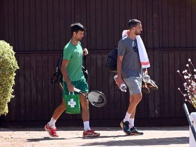 Djokovic retoma sus entrenamientos en un club de tenis de Marbella