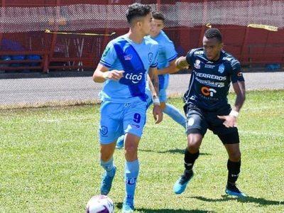 El paraguayo que volvió al país y ahora su liga se reanuda
