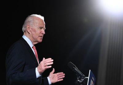 Biden se juega el decisivo voto latino en EE.UU.