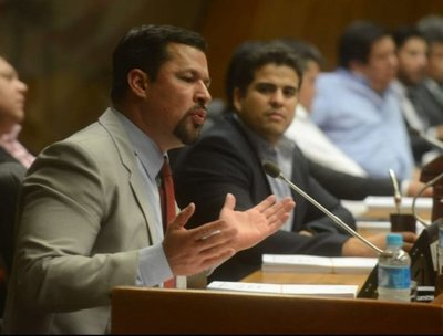 Por unanimidad aprueban desafuero de Ulises Quintana