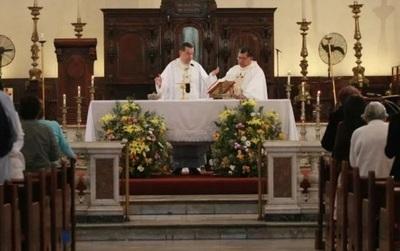 Misas recién podrán celebrarse en junio