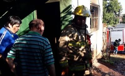 Susto en inquilinato luego de un incendio en una de las habitaciones