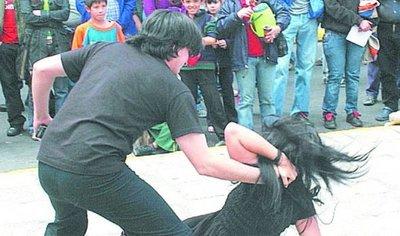 Con el uso de pulseras electrónicas se busca disminuir los feminicidios