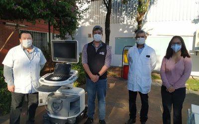 Reciben ecógrafo modular y oxímetro de mano en CDE