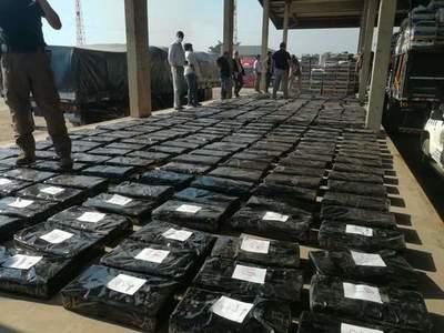 Tres toneladas tonelada de marihuana escondida entre bananas caen en Chaco'í