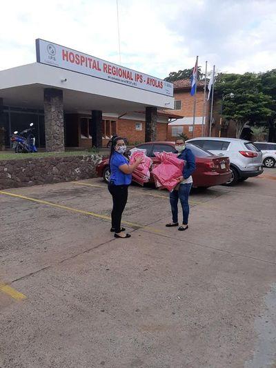 Egresadas del SNPP de Ayolas realizaron donativos al hospital regional