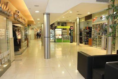 Shoppings reabrirán este lunes