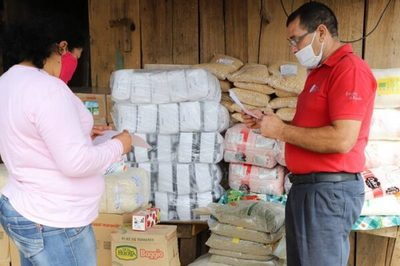 Ministerio entrega miles de kilos de alimentos a comedores de los bañados