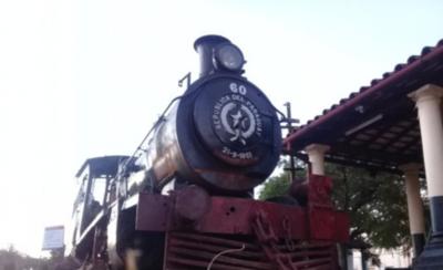 HOY / Preparan la puesta en funciones del vetusto tren de Ypacaraí