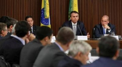 """HOY / En Brasil hablan de burla de  Bolsonaro sobre Paraguay: ¿""""República de bananas""""?"""