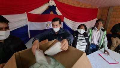 Gobernador de Boquerón compró 1.000 tapabocas confeccionadas por mujeres de Yalve Sanga