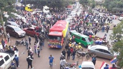 Manifestación pro-Inte en plena cuarentena en CDE