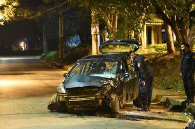 Un hombre falleció tras colisionar contra una columna en Ñemby