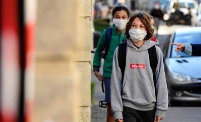 HOY / Tras retorno a clases, Francia cierra 70 escuelas por casos de Covid