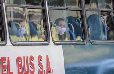 Recuerdan obligatoriedad del uso de mascarillas para abordar y viajar en el transporte público