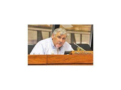 Solicitan  renuncia de Efraín por expulsar a  diputado Capurro