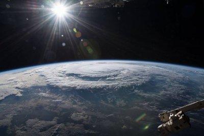 Impresionantes imágenes captadas desde el espacio del huracán Florence